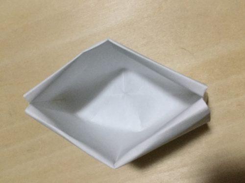 折り紙 エッグスタンド 折り方 解説 完成図